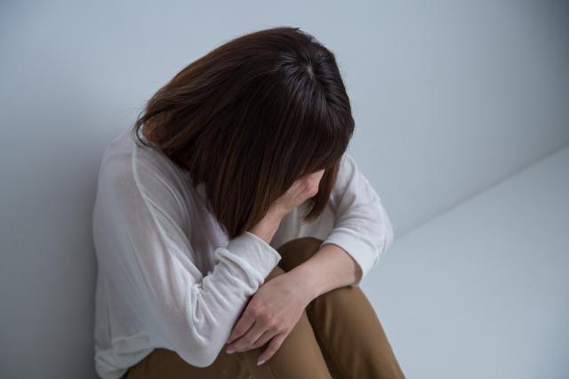 疲労やストレスも不眠症の原因になります